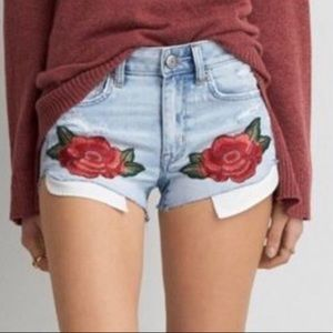 American Eagle rose embroidered shorts 🌹